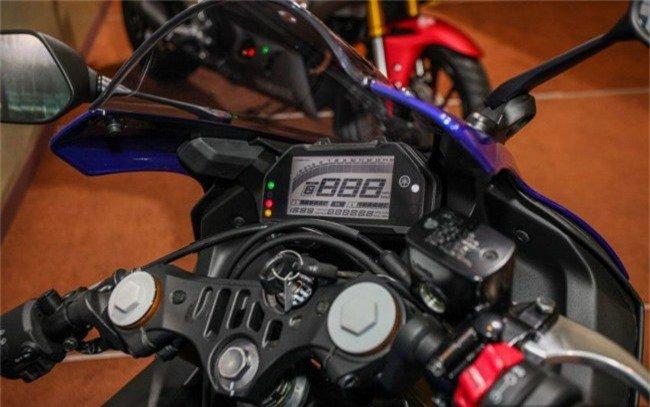 Giá xe Yamaha YZF-R25 2019 công bố giá gần 100 triệu vnđ