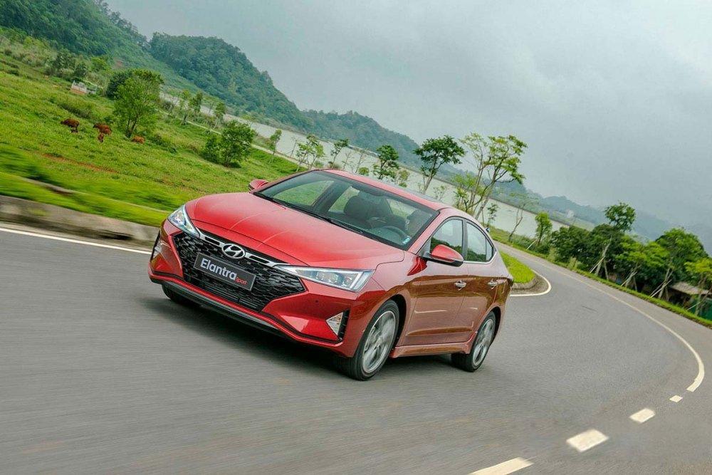 Phân tích xe hyundai elantra đang hot trên thị trường quốc tế